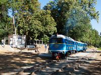 Az UZ TU2 098 körbejár Ungvár-Vadaskert (Park) állomáson