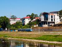 Az UZ TU2 098 Ifjúság és Ungvár-Vadaskert között az Ung folyó partján