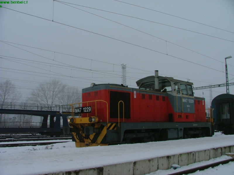 The M47 1229 at Békéscsaba station photo