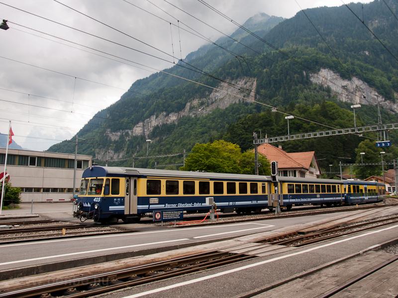 A Berner Oberlandbahn ABt 415 Zweilütschinen állomáson fotó