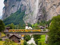 A Wengernalpbahn BDhe 4/4 123 Witimatte és Lauterbrunnen között