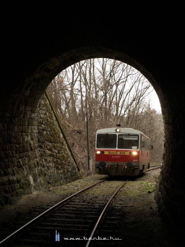 Bzmot 406 a sátai alagútnál fotó