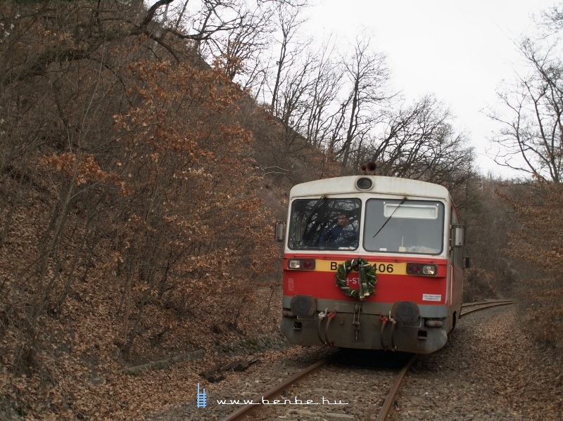 Bzmot 406 magasan a Ladány-völgy fölött fotó