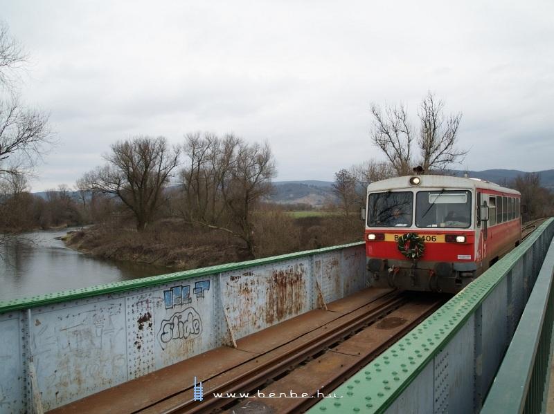 Bzmot 406 a Sajó hídján Putnoknál fotó