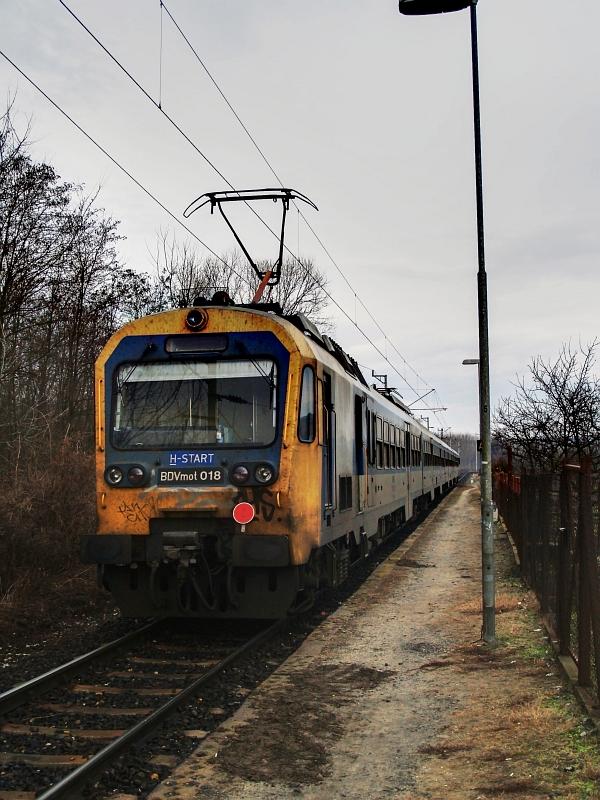 BDVmot 018 Rudnaykert megállóhelyen fotó
