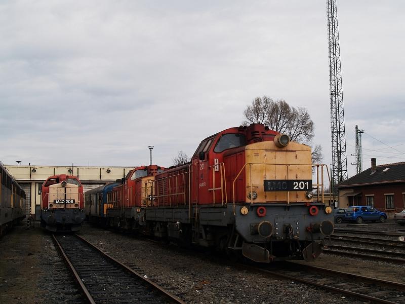 M40 206 és 201 Hatvanban fotó
