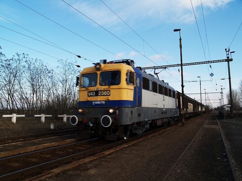 V43 2360 Jászfényszarun fotó
