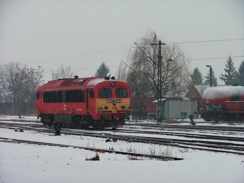 M41 2144 a hóban Hatvanban fotó