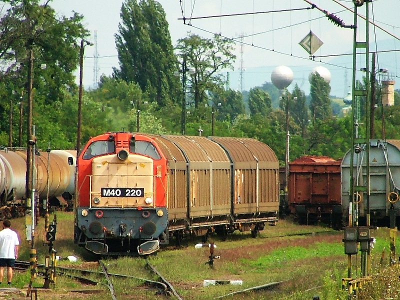 M40 220 at Hatvan-Rendezõ photo
