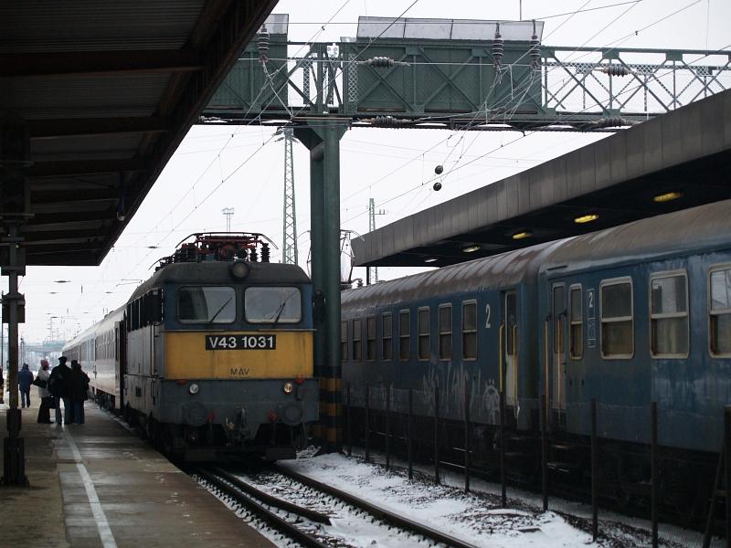 V43 1031 Hatvanban fotó