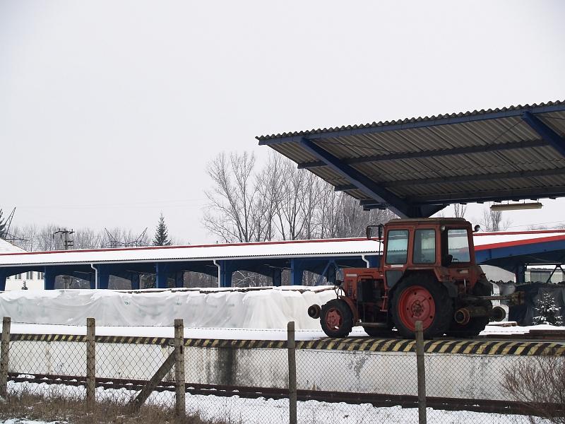 Sínjáró traktor Mátravidéki Erõmû állomáson fotó