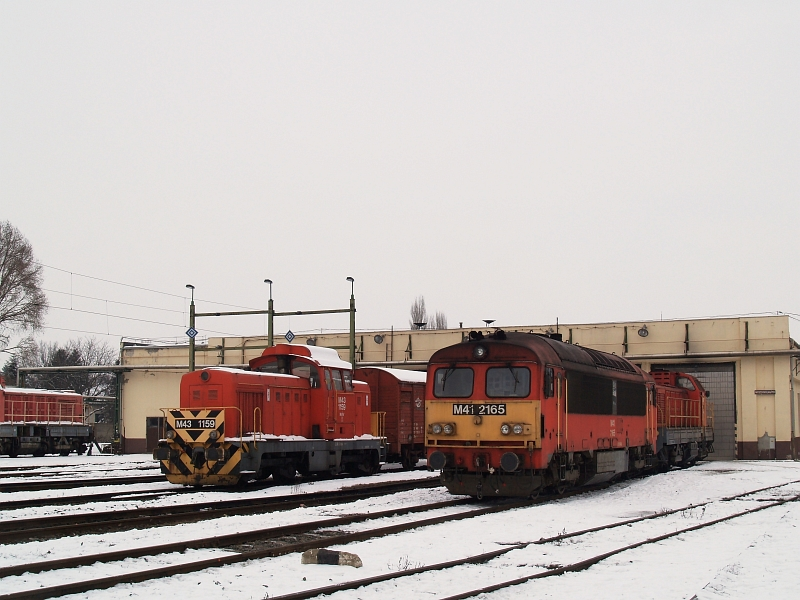 M41 2165 és M43 1159 Hatvanban fotó