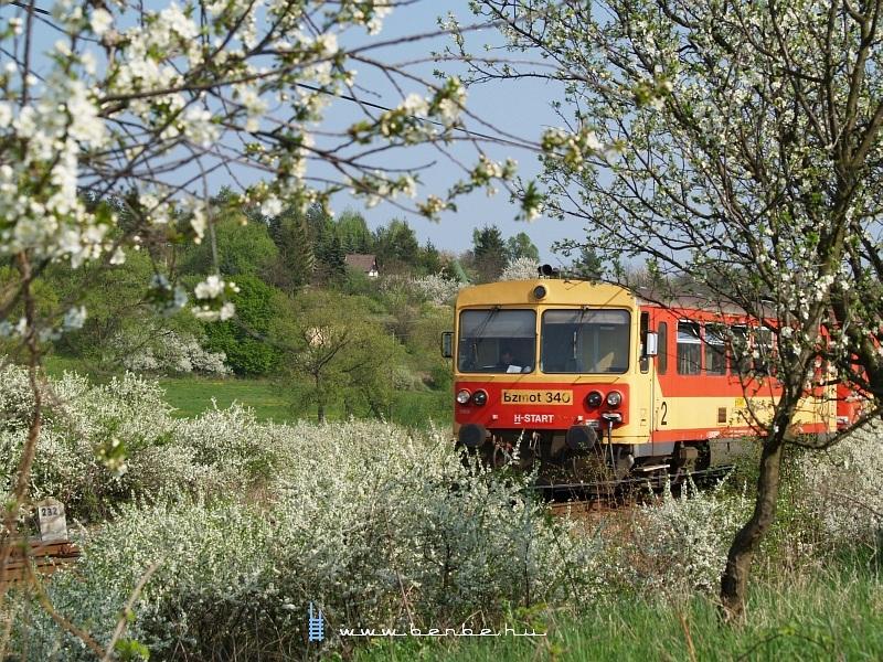 Bzmot 340 Nógrád állomásra érkezik fotó