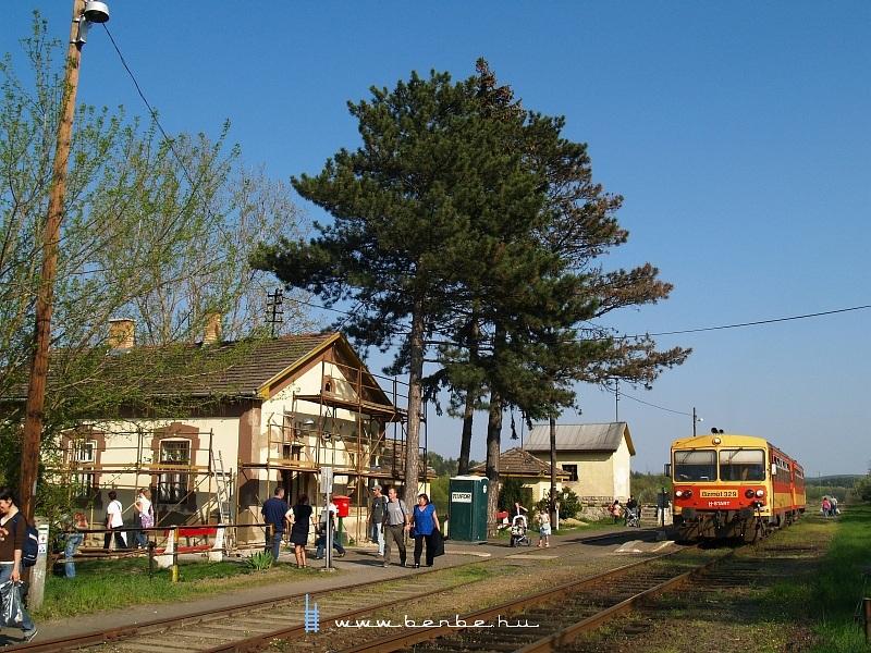 Bzmot 329 Nógrád állomáson fotó