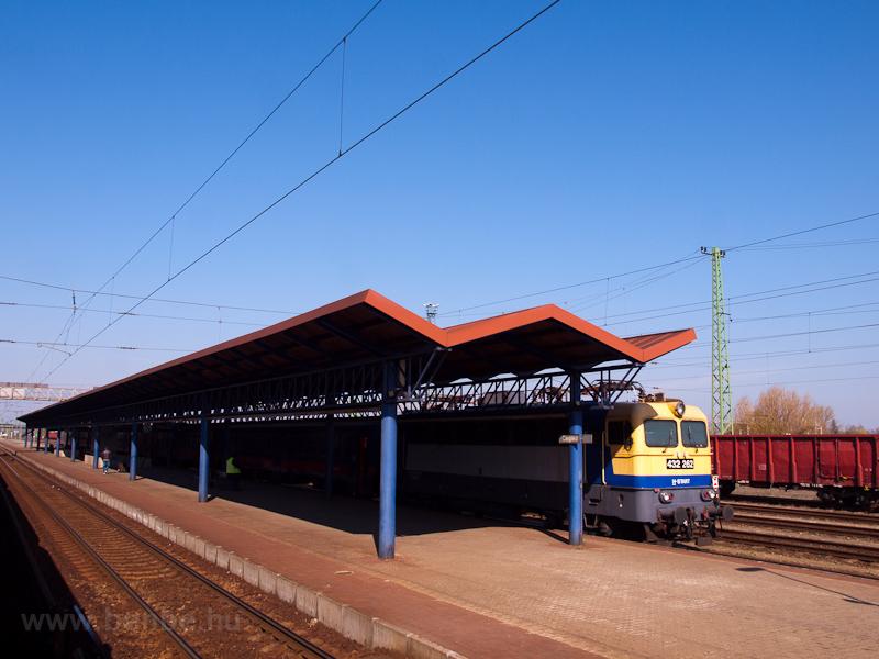 A MÁV-START 432 262 Cegléd állomáson fotó