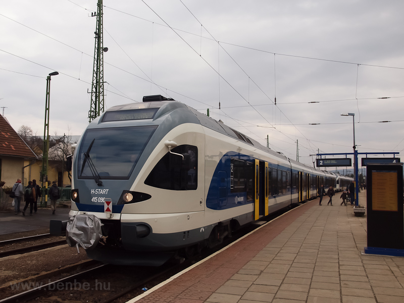A MÁV-START 415 096 Szob állomáson fotó