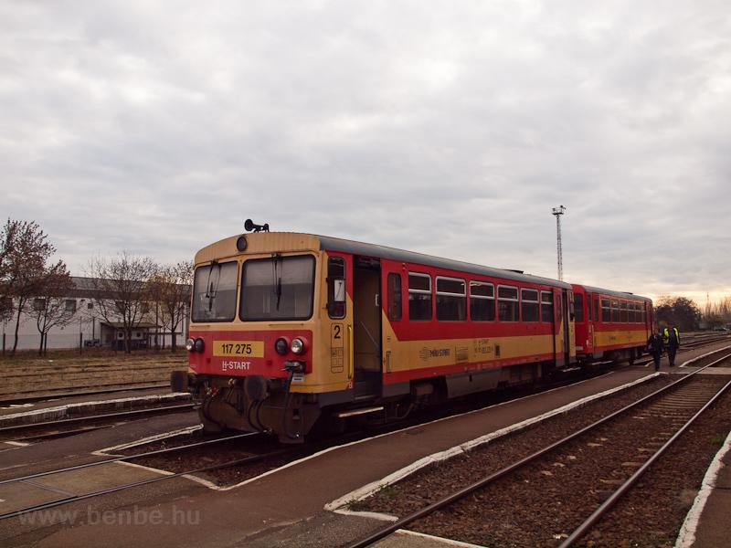 A MÁV-START 117 275 Szentes állomáson fotó