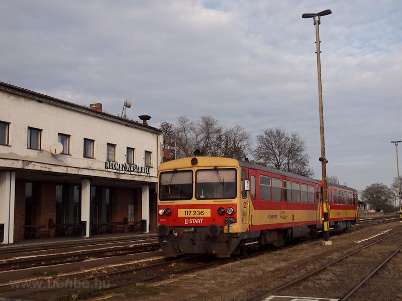 A MÁV-START 117 236 Hódmezővásárhely állomáson fotó
