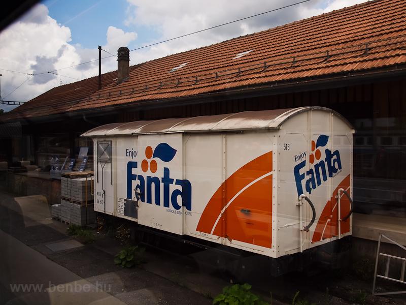 MOB Fanta closed freight ca photo