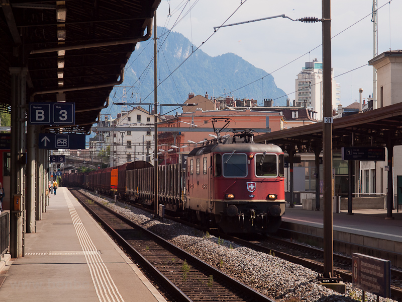 The SBB-CFF-FFS Re 4/4 1130 picture