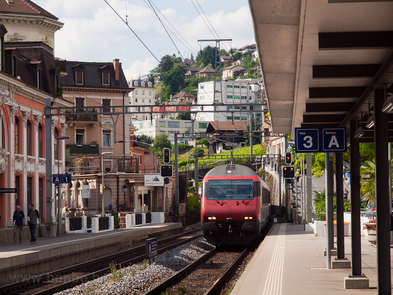 An InterCity at Montreux photo
