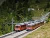A Gornergratbahn (GGB) Bhe 4/8 3051 & 3053 kereszteznek a kétvágányú szakaszon Riffelalp és Riffelboden között