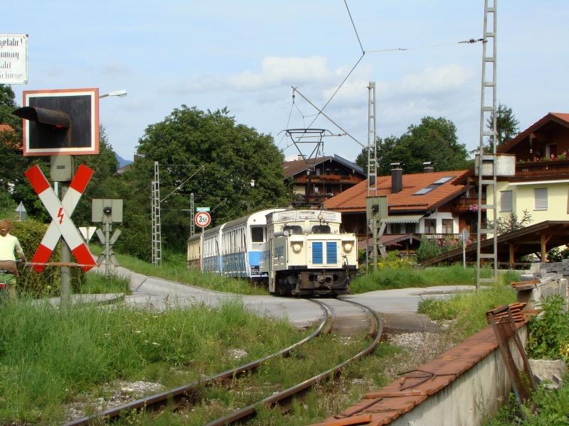 A Wachtl-expressz az útátjárónál fotó