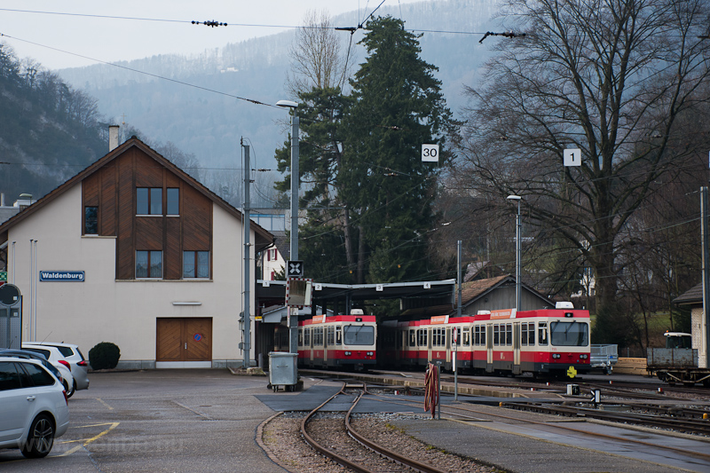 Waldenburg station photo