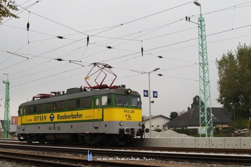 V43 328 Lajtaújfalu (Neufeld a/d Leitha) állomáson fotó