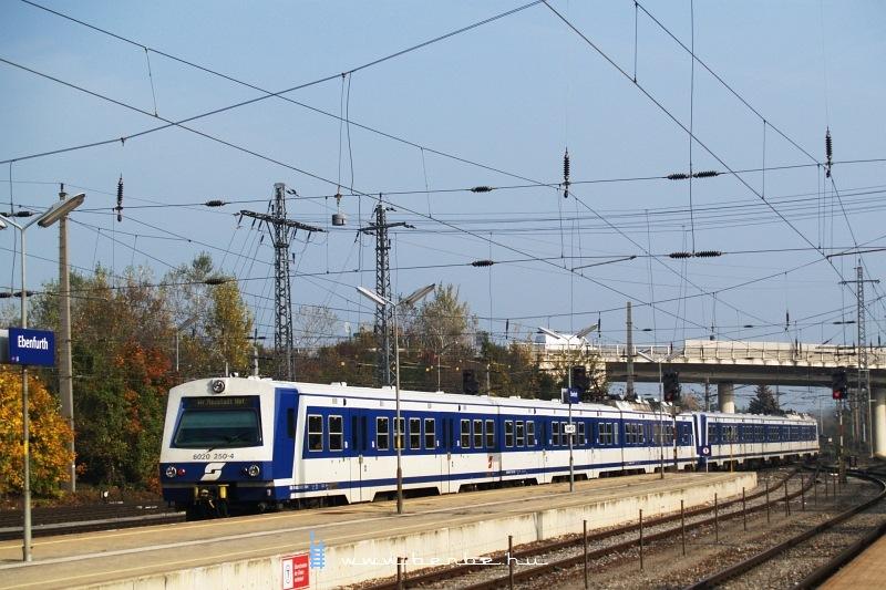 6020 250-4 Ebenfurth állomáson fotó