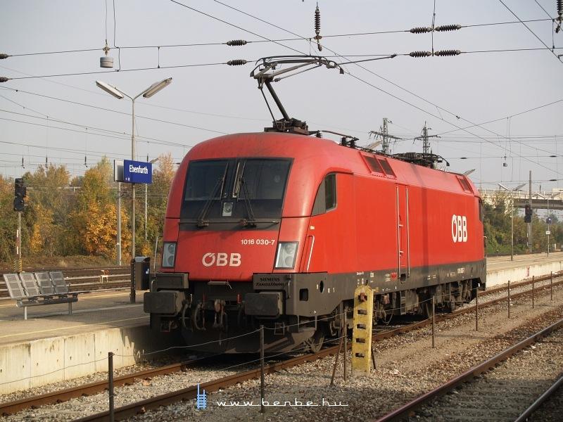 1016 030-7 Ebenfurth állomáson fotó