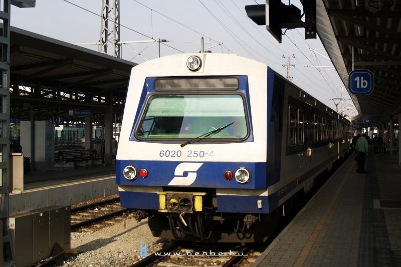 6020 250-4 Bécsújhely (Wiener Neustadt) állomáson fotó