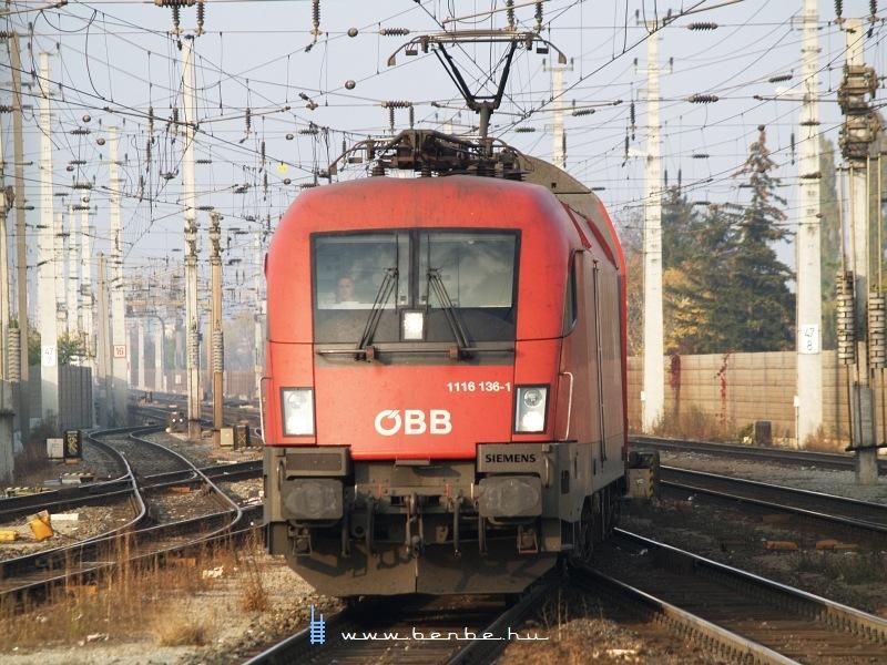 1116 136-1 Bécsújhely (Wiener Neustadt) állomáson fotó