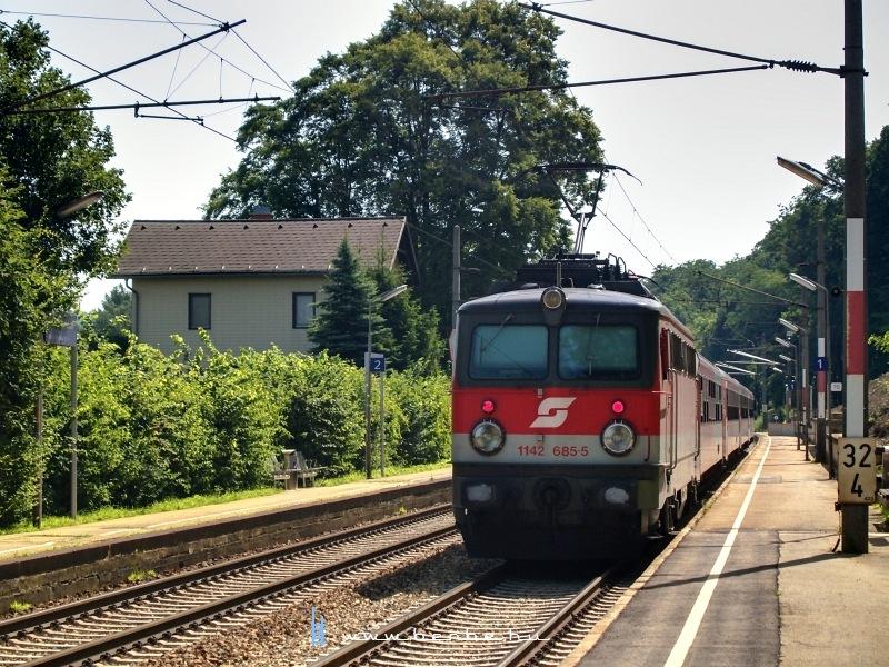 Az ÖBB 1142 685-5 Unter Oberndorfnál fotó