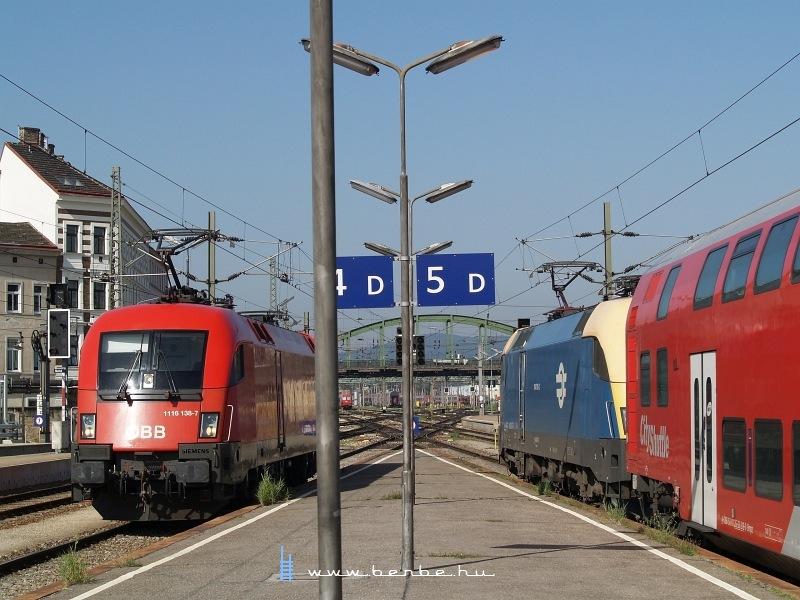 1116 138-7 és 1047 010-2 Wien Westbahnhofon fotó