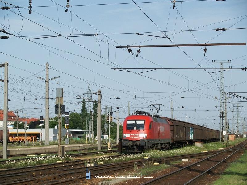 A Railion 182 013-3 Taurus Wien Hütteldorf állomáson fotó