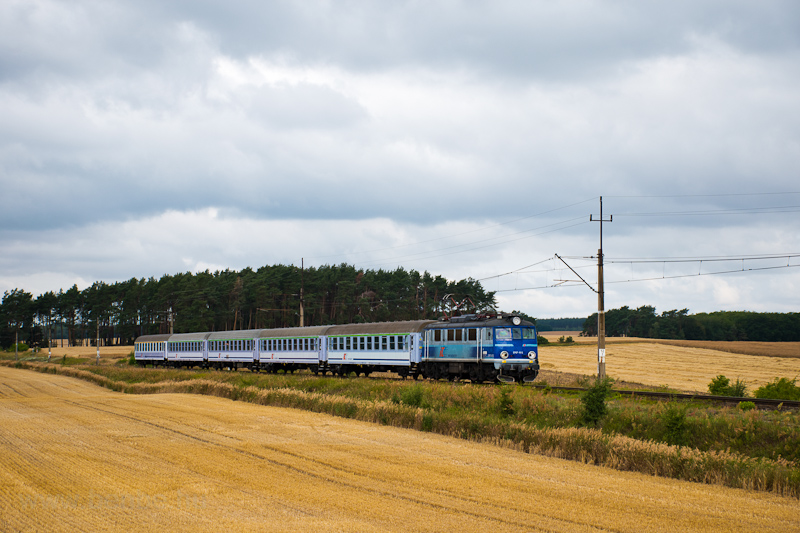 The PKP EP07 1012 seen haul picture