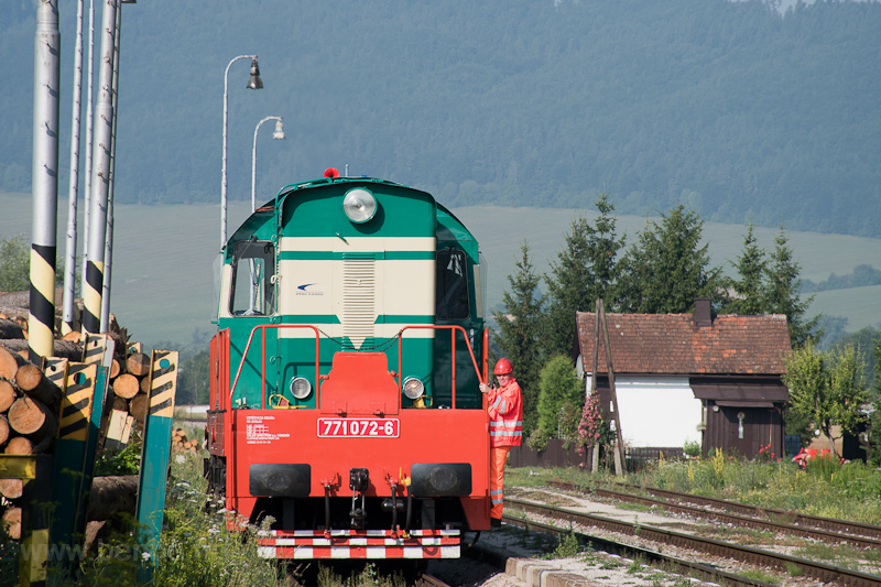 The ZSSKC 771 072-6 seen at photo