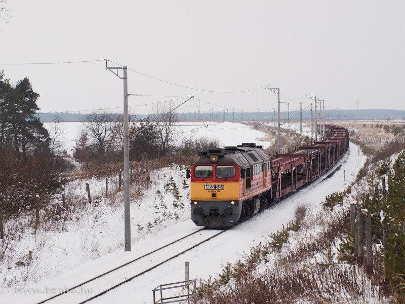 The M62 331 is pulling an empty car transporter train between Őriszentpéter and Nagyrákos photo