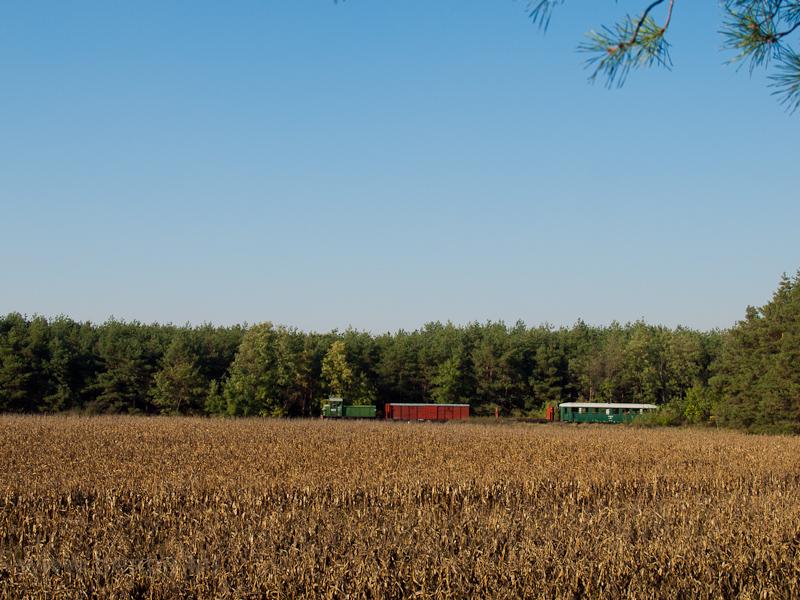 Az Mk48,2002 vegyesvonattal Sámsoni út és Martinka között fotó