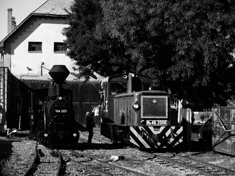 A Közlekedési Múzeum 394,023 pályaszámú gőzmozdonya és az Mk48,2006 Debrecen-Fatelepen fotó